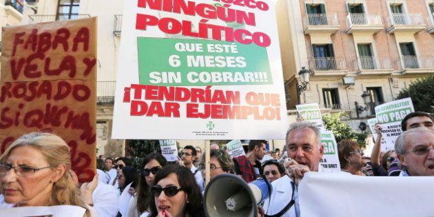 La Generalitat paga los 99 millones que debía a las farmacias catalanas, cerradas en protesta por la