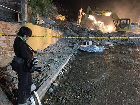 La censura del sollozo: catarsis de una periodista tras el terremoto de