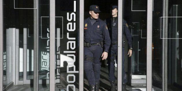 La Policía concluye el registro de la sede del PP después de más de 14
