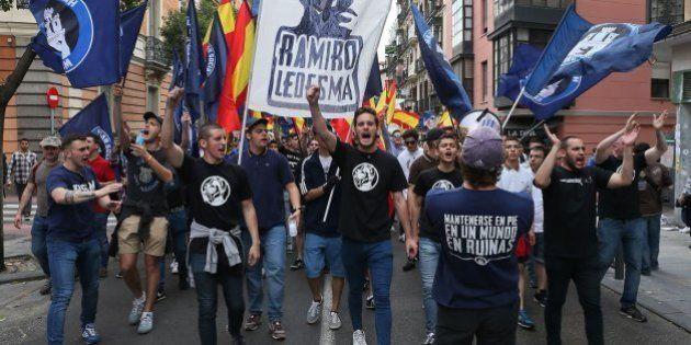 Cientos de personas convocadas por el Hogar Social Madrid al grito de: