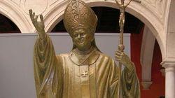 Sevilla inaugura una estatua de 4 metros de Juan Pablo