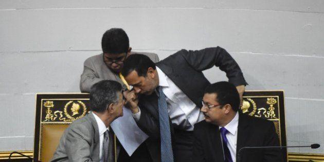 El Parlamento venezolano rechaza el decreto de emergencia económica del