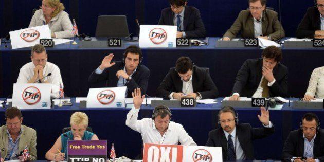 El Parlamento Europeo respalda el TTIP con el apoyo dividido de los