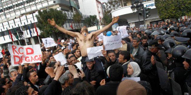 Tres años después del suicidio del joven que inspiró la Primavera Árabe, su ciudad sigue