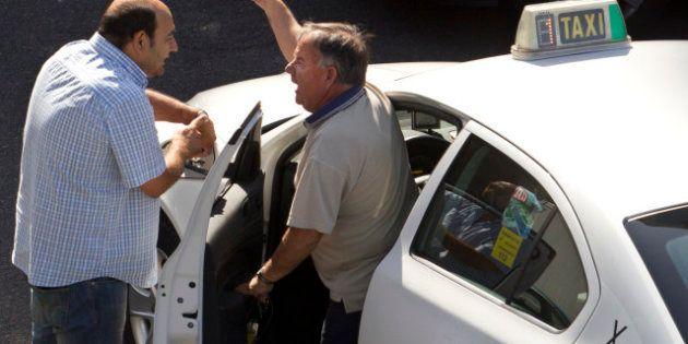 Los taxistas de Madrid no podrán llevar sandalias y deberán tener la
