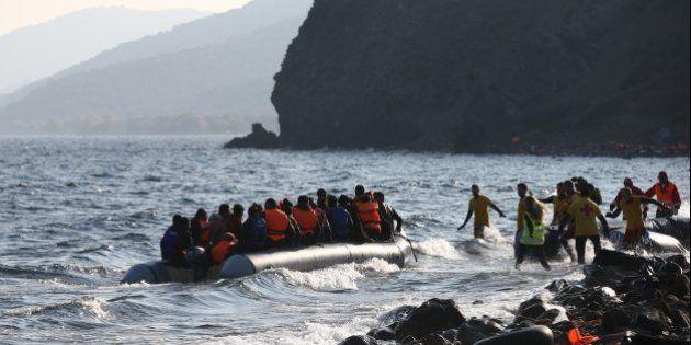La española llegada con refugiados a Lesbos está ya en