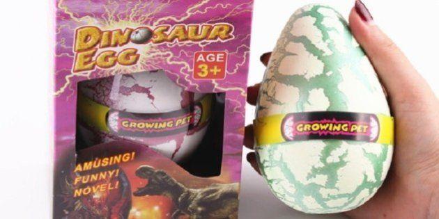 Retiran en Madrid los huevos de dinosaurio de juguete por riesgo de asfixia e