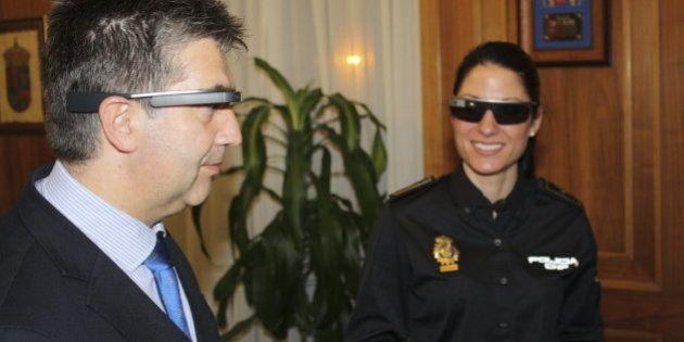 La Policía estudia la utilización de las Google Glass para