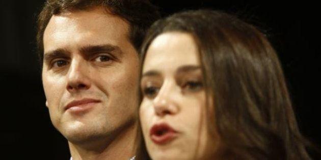 Rivera seguirá a la Roja en Barcelona en una gran pantalla pese a las