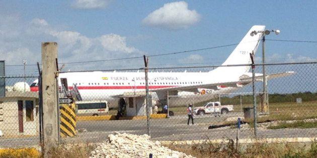 El avión del príncipe Felipe se avería en la República