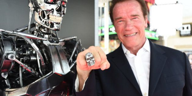 El ¡zasca! megaviral de Schwarzenegger al cazador del león