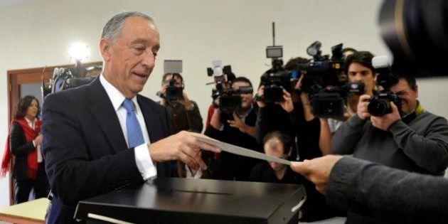 Rebelo de Sousa gana las presidenciales lusas, según sondeos a pie de