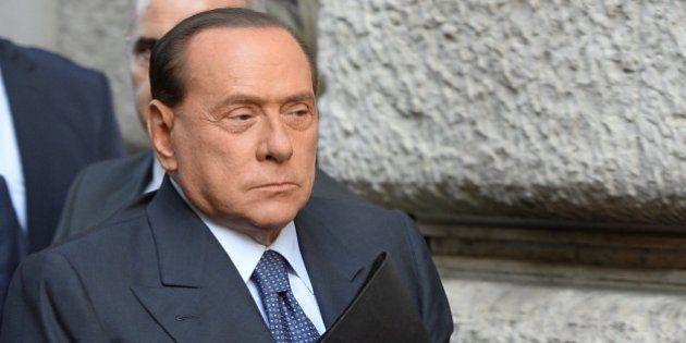 El 'número dos' de Berlusconi le da la espalda y apoya a