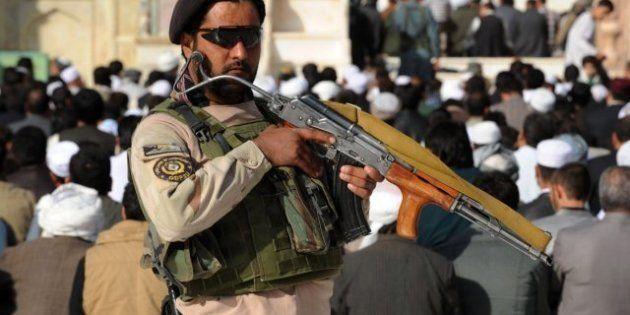 Decenas de muertos en un atentado junto a una mezquita en