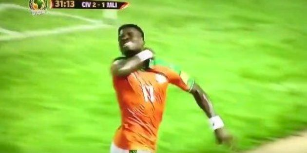 Aurier incendia las redes tras celebrar un gol como si se