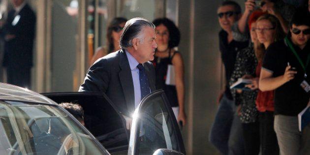 Luis Fraga admite que Bárcenas le dio 9.000 euros para su candidatura al