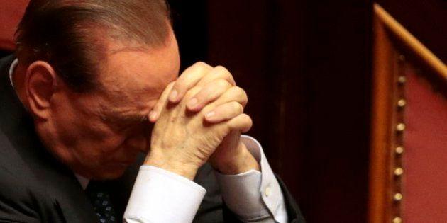 Berlusconi da un paso atrás y apoya al Gobierno de