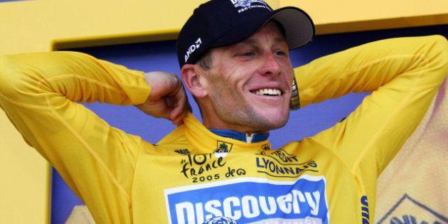 La UCI deja vacantes los siete Tour de Francia que ganó Armstrong, acusado de