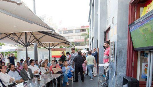 Así vio Rajoy el partido: ¿no te choca un detalle en esta