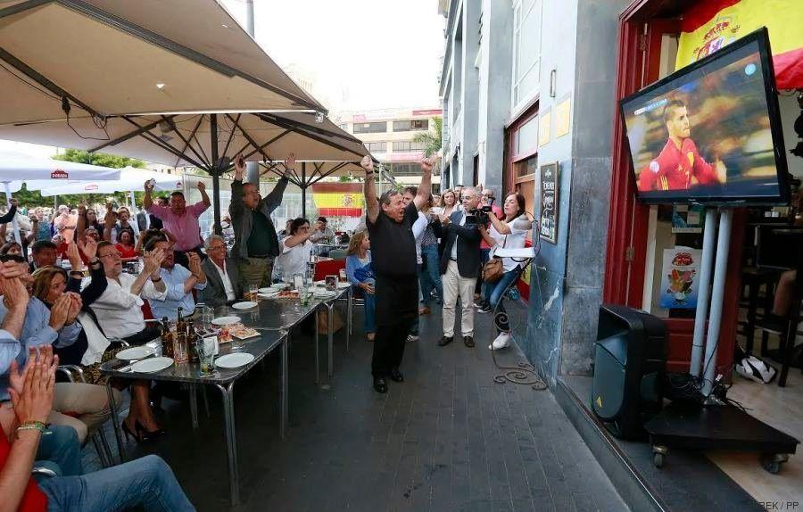 Así vio Rajoy el partido de España: ¿no te choca un detalle en esta