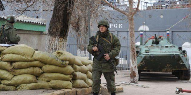 El jefe de la Marina de Ucrania deserta y jura lealtad a