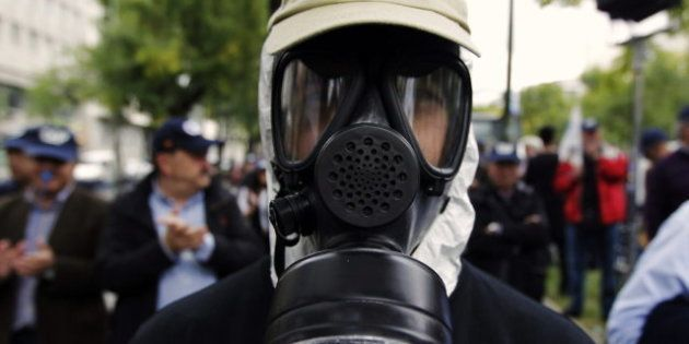 Miles de policías protestan frente al ministerio del Interior en Madrid en contra de los