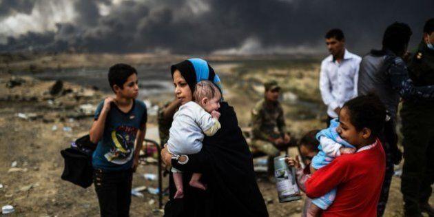 Miles de familias secuestradas por el EI para usarlas como escudos humanos en