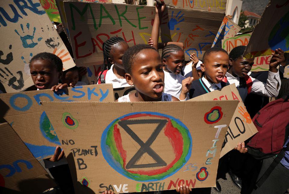 Μαθητές διαδηλώνουν...
