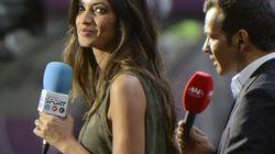 Sara Carbonero olvida que Iniesta ha lanzado un penalti