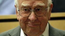 Peter Higgs, emocionado hasta las lágrimas (FOTOS,