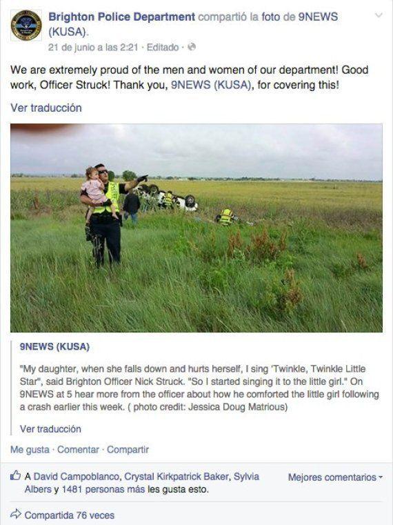 Un policía canta a una niña que acaba de perder a su