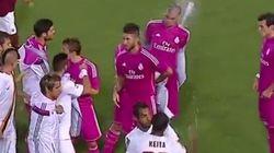 Keita lanza una botella de agua a Pepe