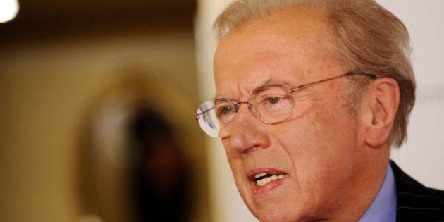 Fallece David Frost, el periodista que acorraló a