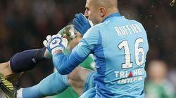 La patada de kárate de Ibrahimovic al portero rival