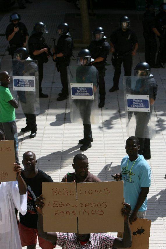 Un senegalés muere al tirarse de un tercer piso durante una operación contra el 'top manta' en