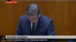 El primer ministro portugués, interrumpido por un himno contra la dictadura