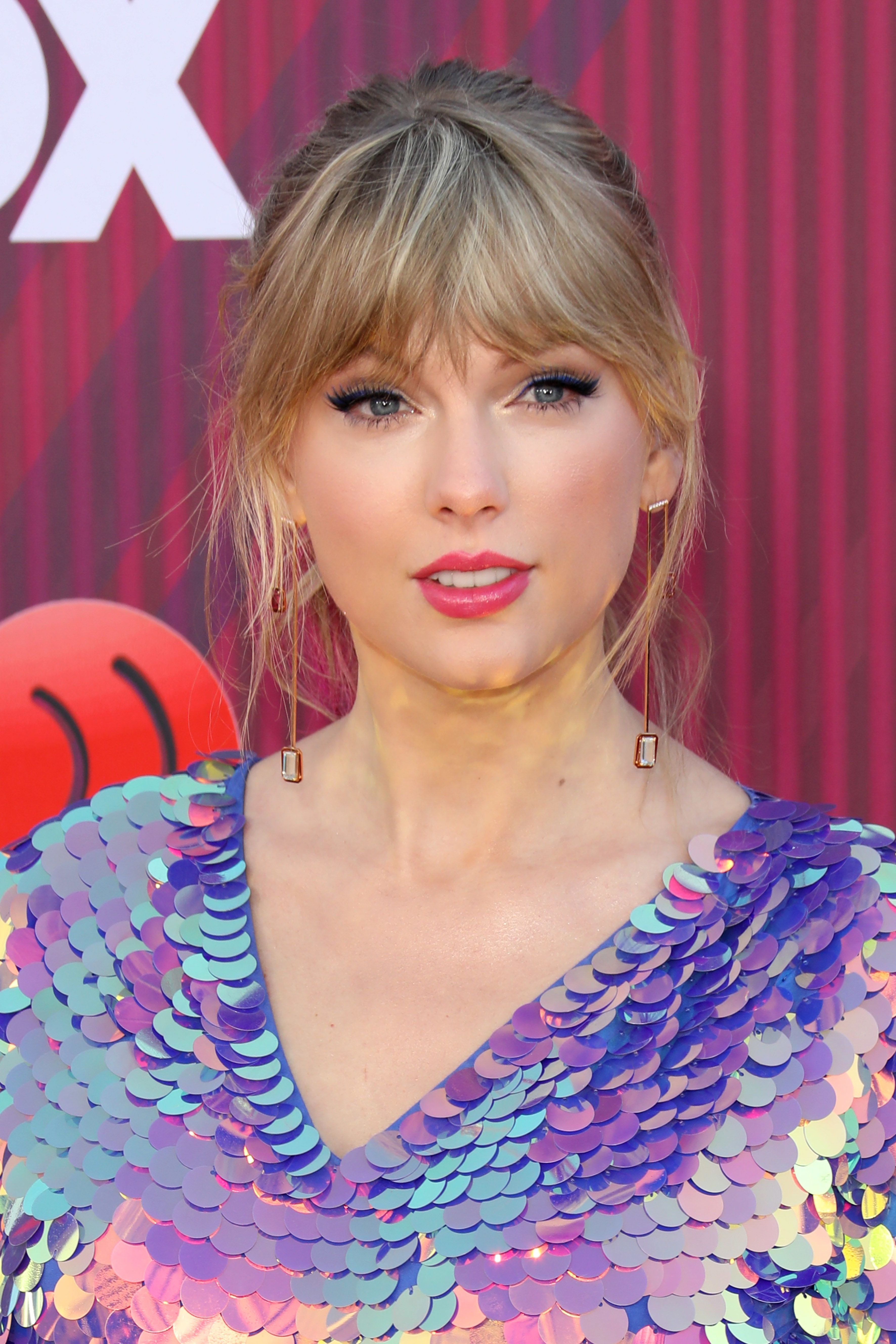 LOS ANGELES, CALIFORNIA - MARCH 14:  Taylor Swift arrives at the 2019 iHeartRadio Music Awards which broadcasted live on FOX at Microsoft Theater on March 14, 2019 in Los Angeles, California. (Photo by Tony Barson/WireImage)