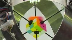 Este robot hace un cubo de Rubik en menos de un