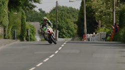 El escalofriante momento de un motociclista en la prueba más dura del