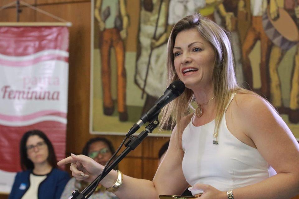 Candidata do PSL para disputar bancada feminina defende cota em fundo