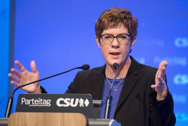 Γερμανία: Ακατάλληλη για Καγκελάριος η Ανεγκρετ Κραμπ -