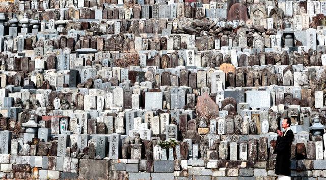 広大な敷地に広がる「墓石の墓」=2019年2月27日、愛知県豊田市花沢町、吉本美奈子撮影