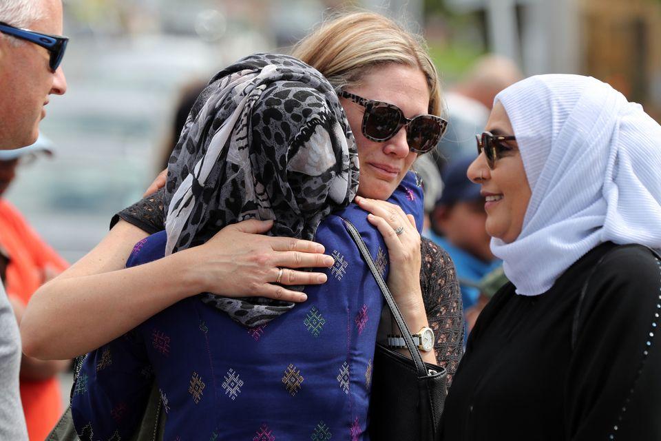 뉴질랜드 전국에서 이번 총기난사 테러 사건의 희생자를 추모하는 발걸음이 이어졌다. 뉴질랜드 오클랜드, 2019년