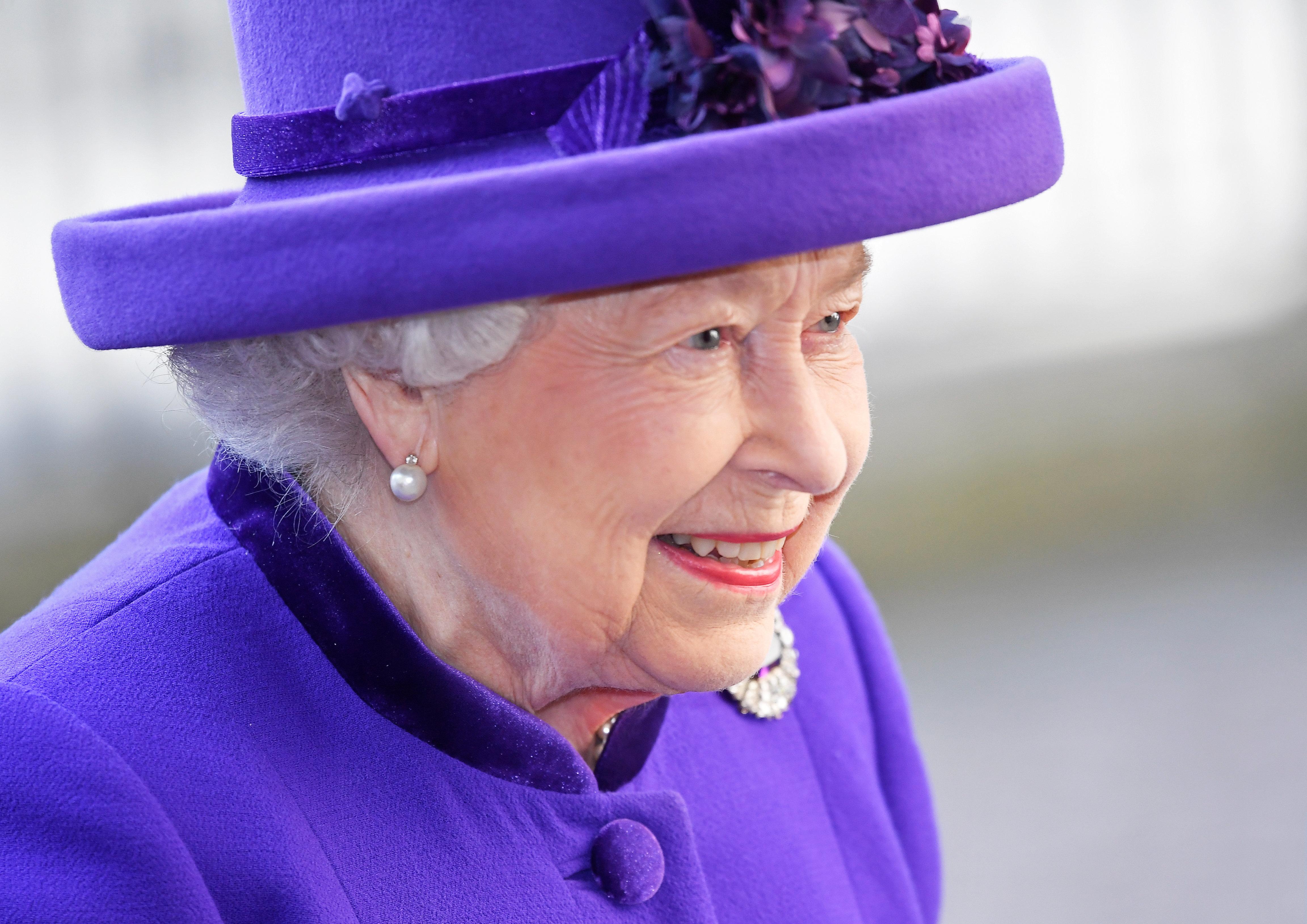 Η βασίλισσα Ελισάβετ ασκεί βέτο στην ανεξαρτησία του πρίγκιπα Χάρι και της Μέγκαν