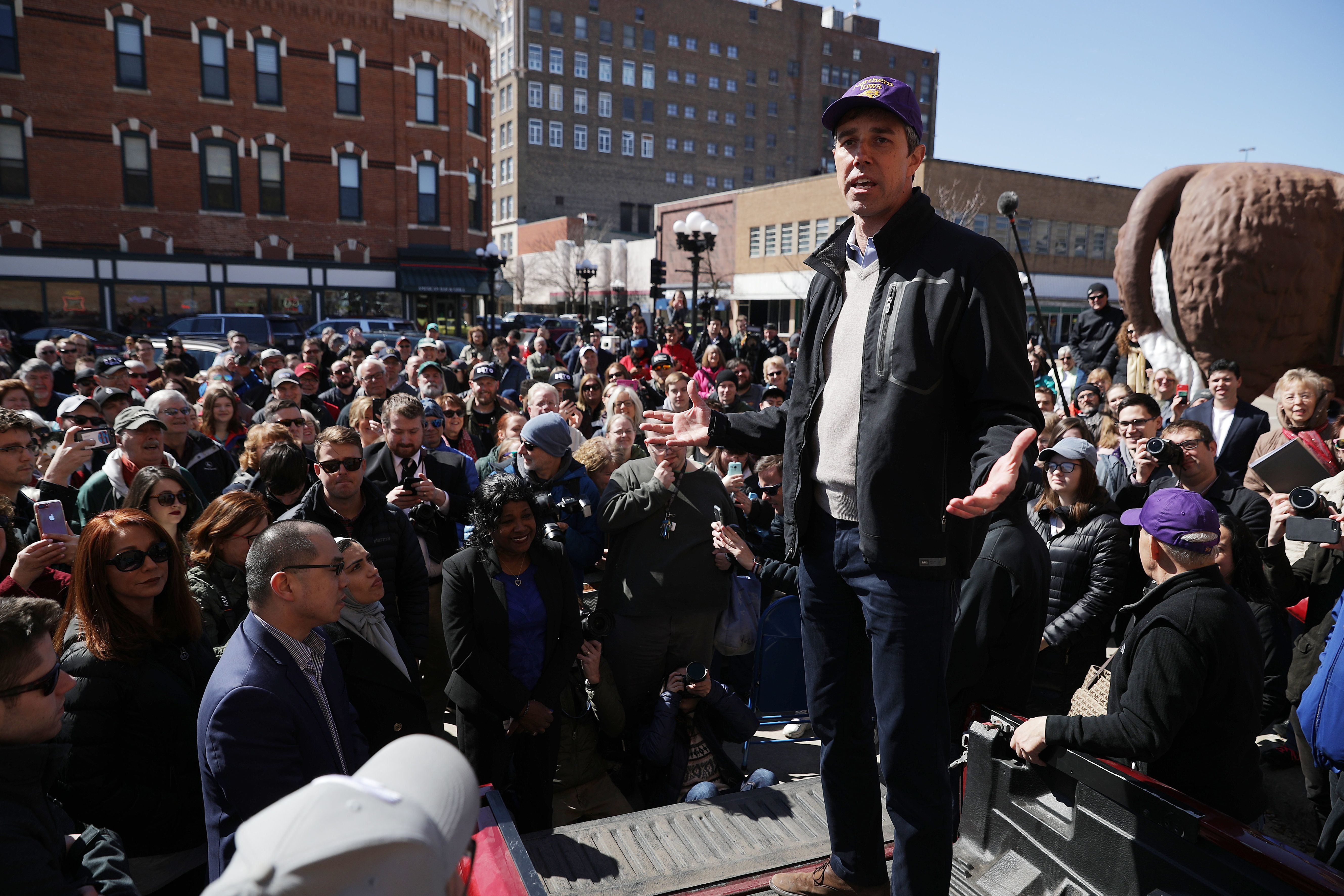 WATERLOO, IOWA - MARCH 16:  Democratic presidential candidate Beto O'Rourke addresses a canvassing kickoff event for Iowa state senate candidate Eric Giddens March 16, 2019 in Waterloo, Iowa. After losing a long-shot race for U.S. Senate to Ted Cruz (R-TX), the 46-year-old O'Rourke is making his first campaign swing through Iowa after jumping into a crowded Democratic field this week. (Photo by Chip Somodevilla/Getty Images)