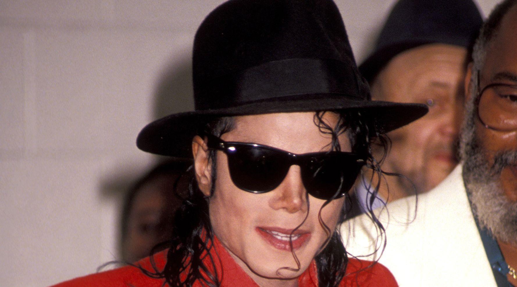Westlake Legal Group 5c8ea2fd2300008900e867a1 Marlon Brando Confronted Michael Jackson About Child Abuse Allegations