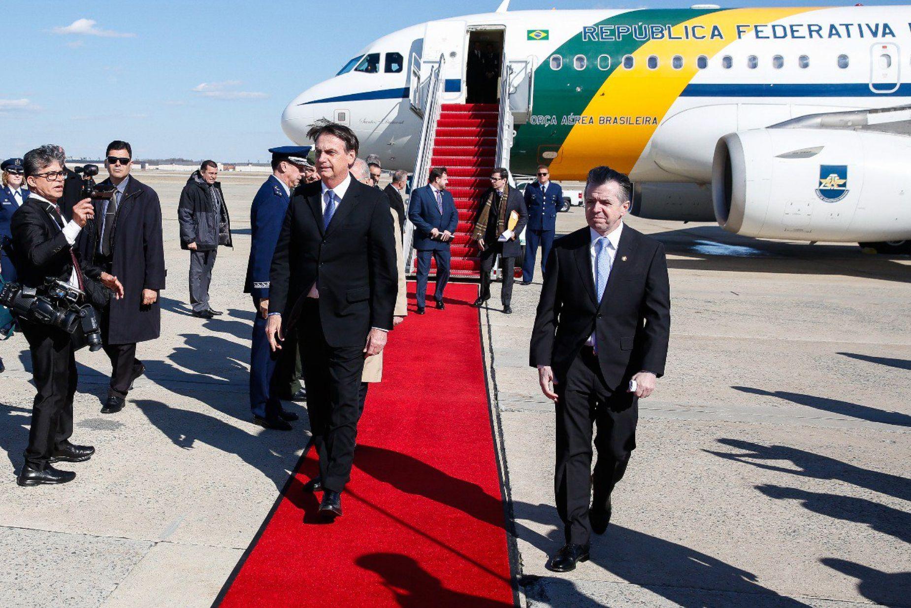 Bolsonaro chega a Washington para visita que privilegiará EUA na
