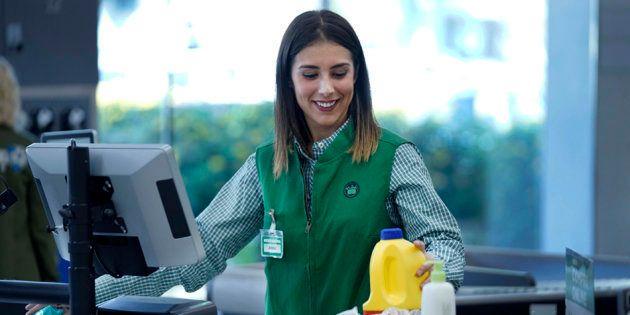 Nuevo uniforme de la cadena de supermercados de