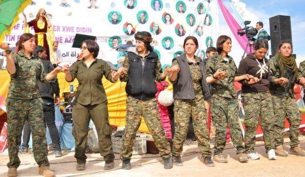 Mujeres kurdas contra el Estado