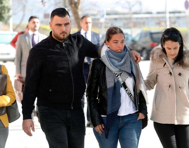 Los padres de Julen, acudiendo a declarar al juzgado de